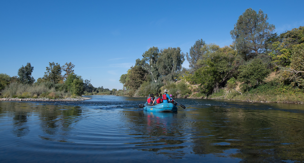 DWR hosts a tour on the Feather River at the Oroville Salmon Festival