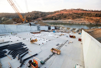 Construction at Lake Oroville