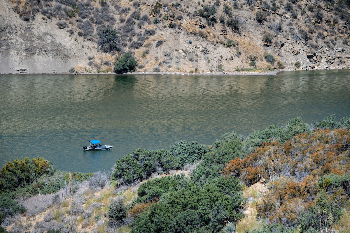 Boating at Pyramid Lake in Los Angeles County.