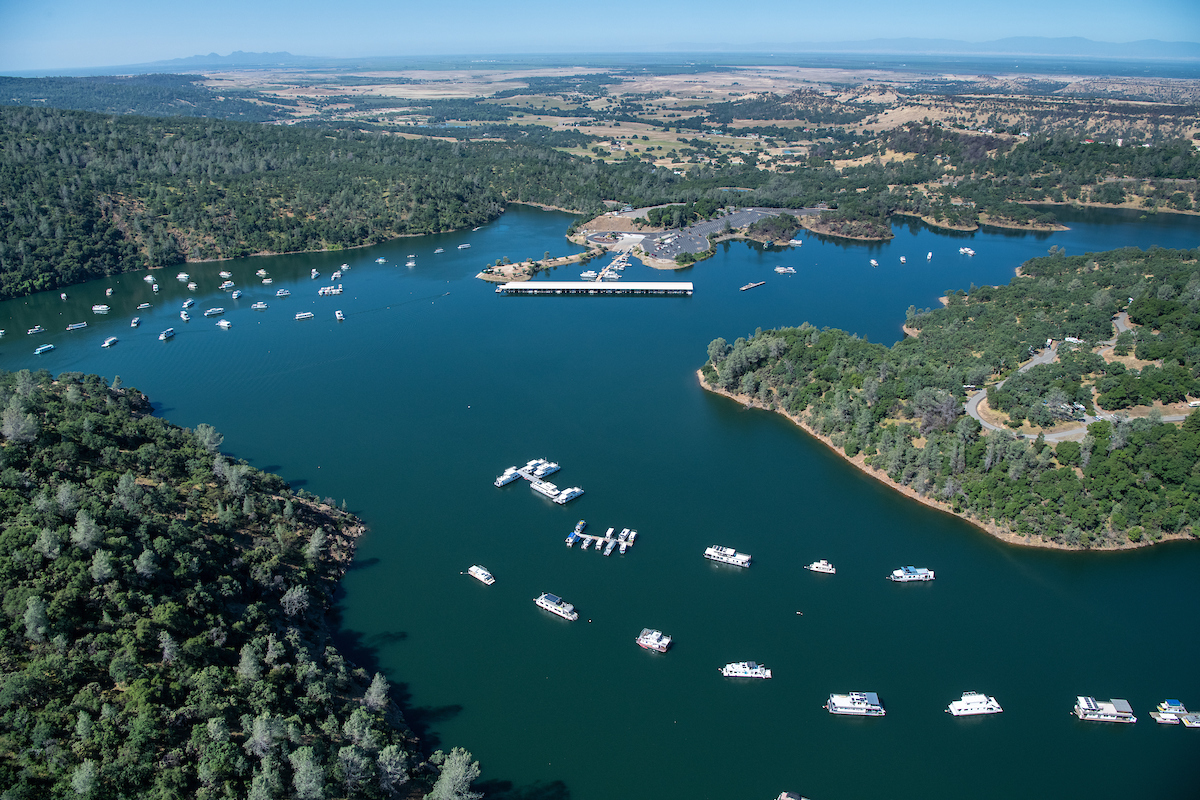 Boats on Lake Oroville. DWR photo.