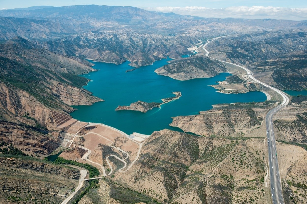 Pyramid lake And Dam